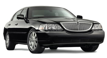 Lincoln Town Car (3-4 Passengers)
